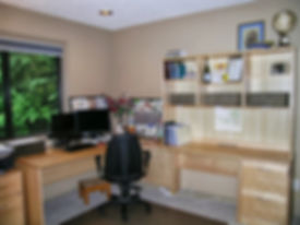 Orgnized office in Portland, OR