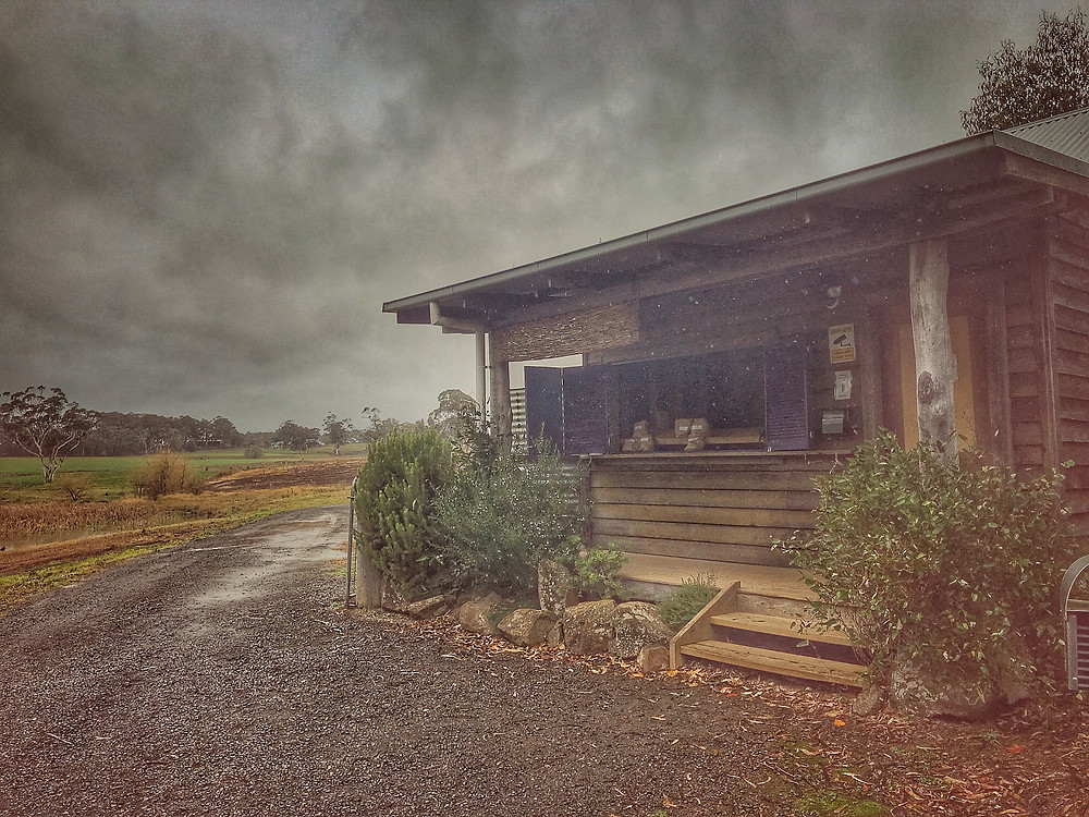 clovar-creative-robertson-burrawang-southern-highlands-road-trip-highland-gourmet-potatoes-stall