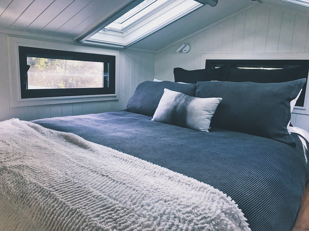 Clovar-creative-tallarook-tiny-house-bedroom