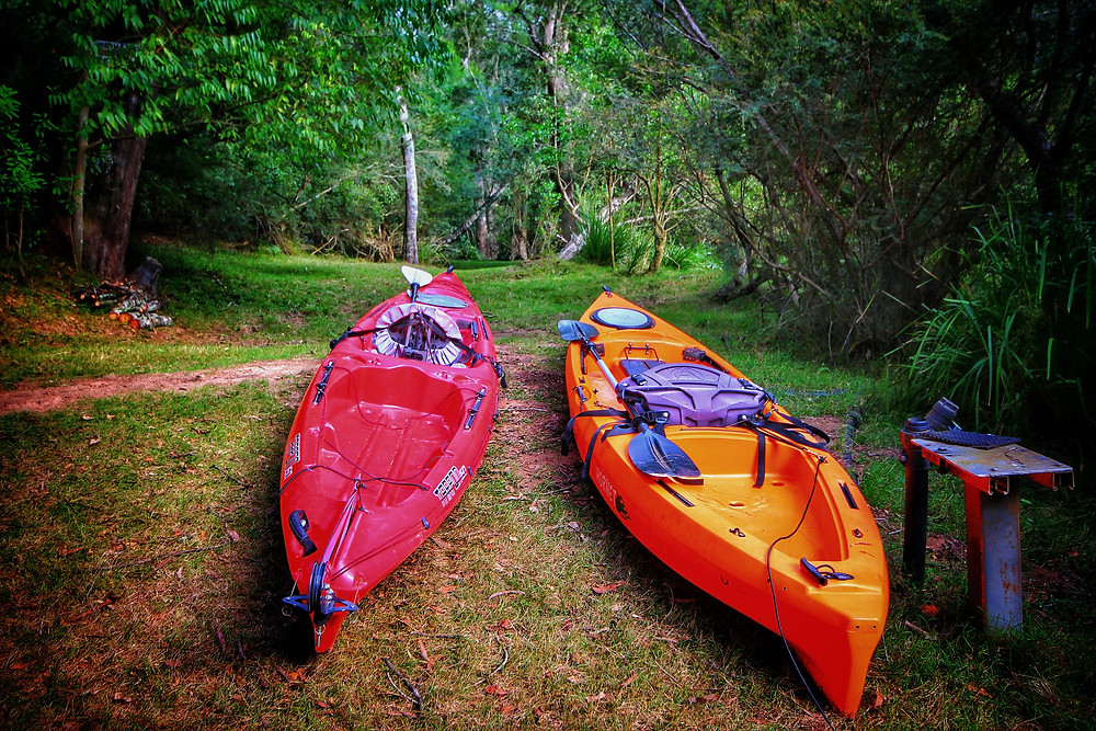 Clovar-creative-tallarook-tiny-house-kayaks-clyde-river