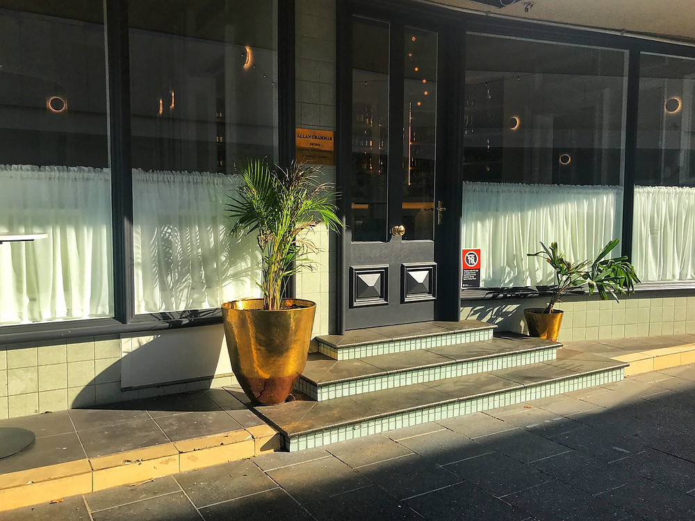 clover-creative-allan-grammar-penrith-review-wine-bar-exterior