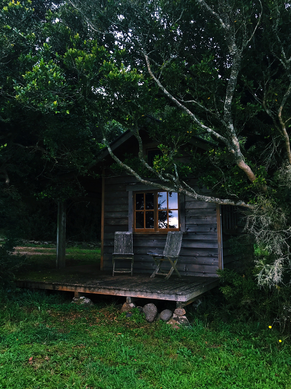 clovar-creative-kangaloon-southern-highlands-NSW-what-to-do-hut-view