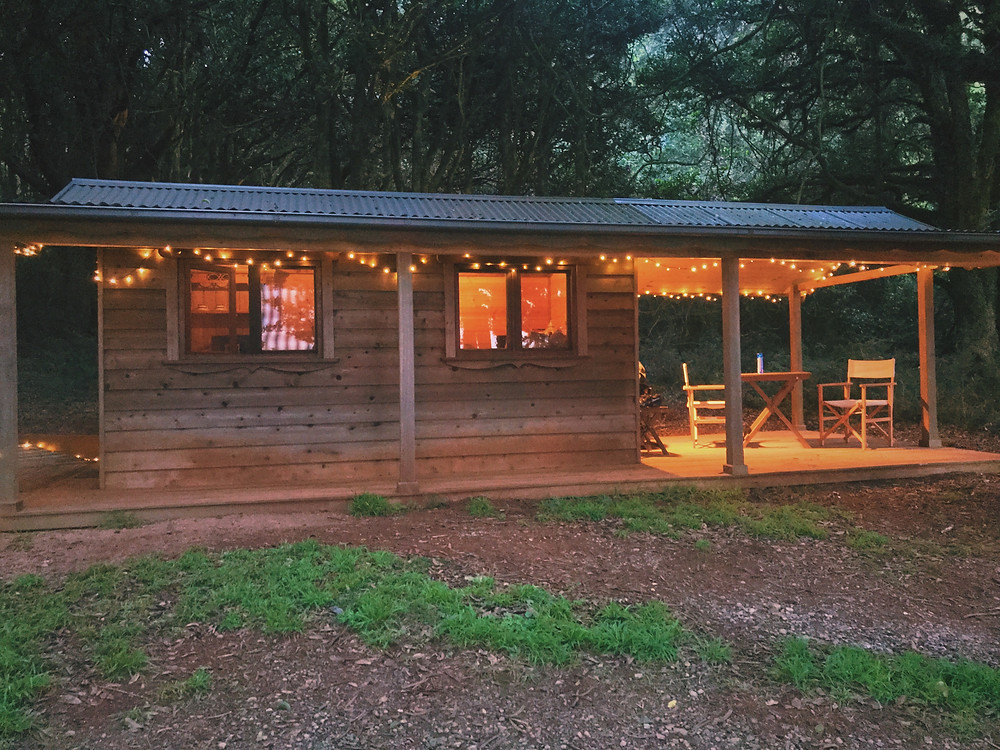 clovar-creative-kangaloon-southern-highlands-NSW-what-to-do-fairy-lights-cabin