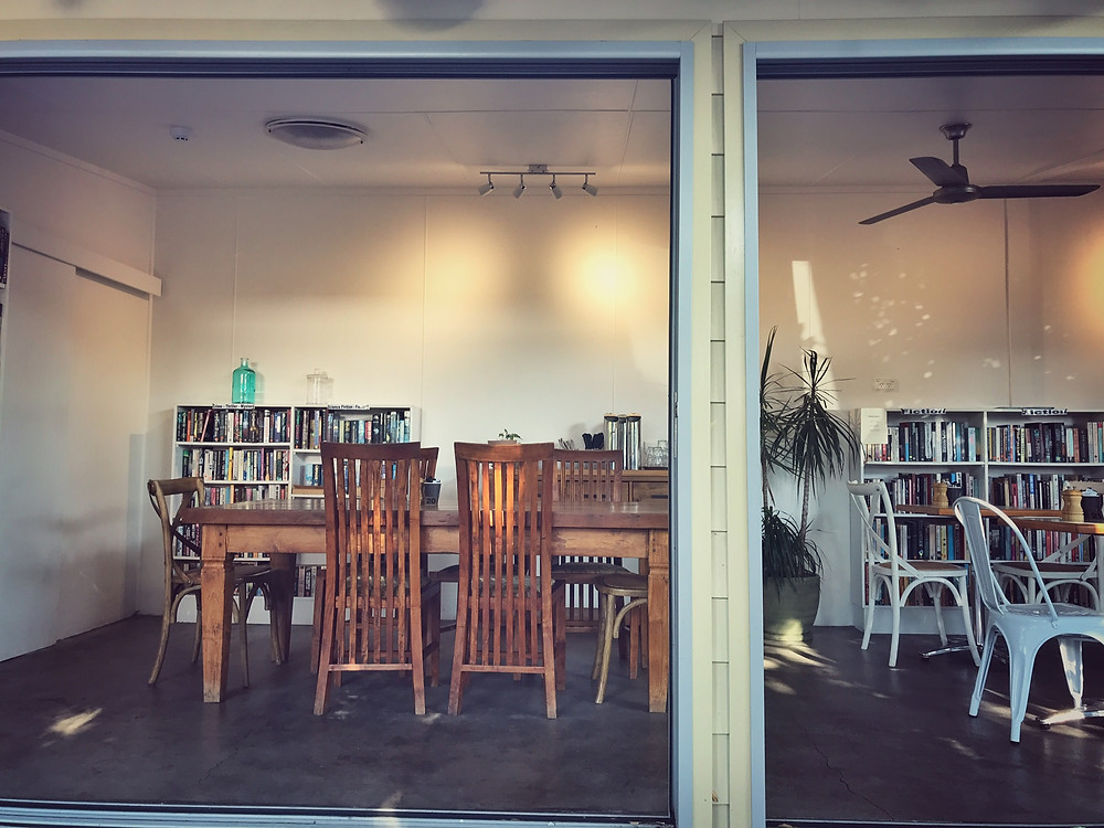 clovar-creative-bookshop-cafe-berry-nsw-shoalhaven-books-dining-space