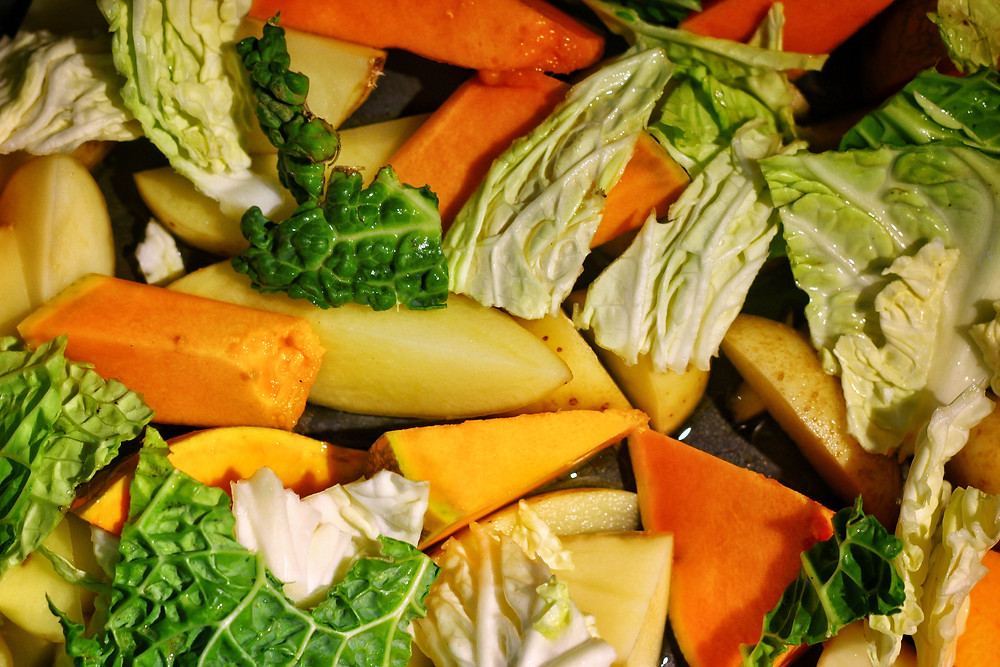 clovar-creative-vintage-valley-proper-chicken-figgy-gravy-recipe-vegetables-for-roasting