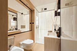 C1 - bathroom 2-2