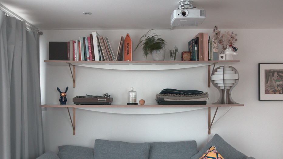 Curve Shelves