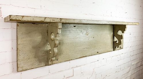 A mid 19th C large Quebec wall shelf / Grande tablette Québécoise