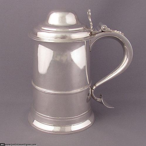 A George III sterling silver tankard, Godbehere & Wigan, London 1791