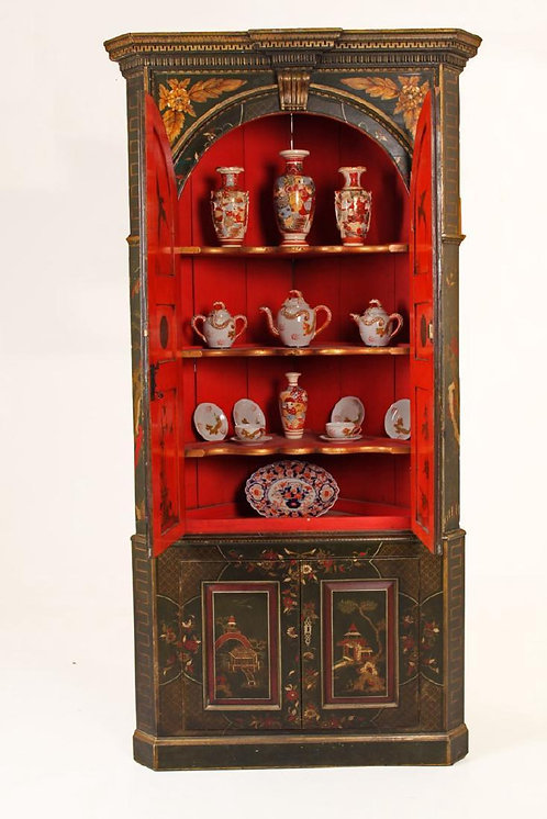 An exceptional George III corner cupboard with Chinoiserie decoration, c1790