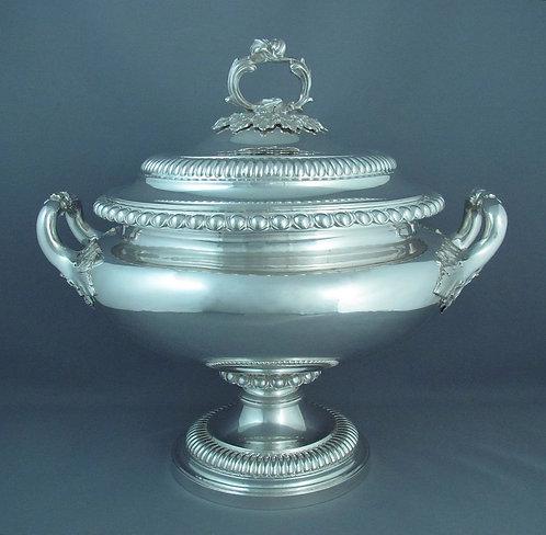 A fine Victorian sterling silver soup tureen James Charles Edington, London 1838