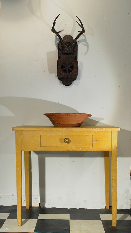 A 19th C Canadian yellow side table - table jaune, in pine, Quebec, c1835