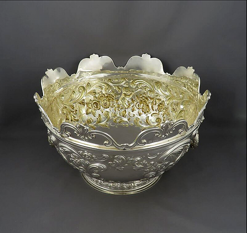 A large George IV sterling silver Monteith bowl (punch bowl), London, 1828