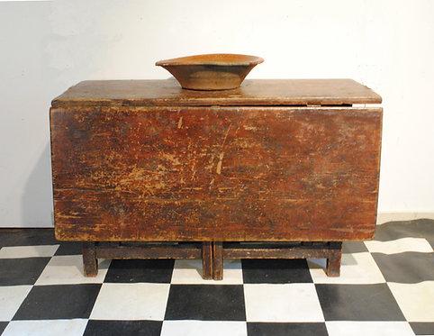 A Louis XIII Quebec gateleg table – Table Louis XIII, original paint, c1780-1800