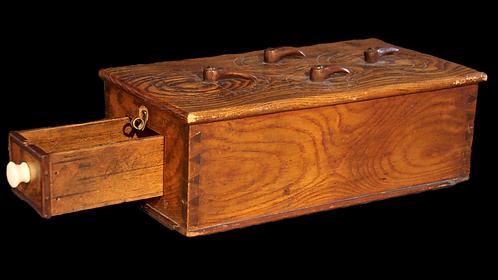 A mid 20th C dovetail chest dominos box / Boite pour Domino