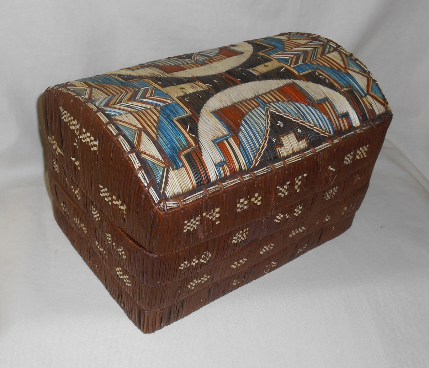 DOMED QUILL BOX