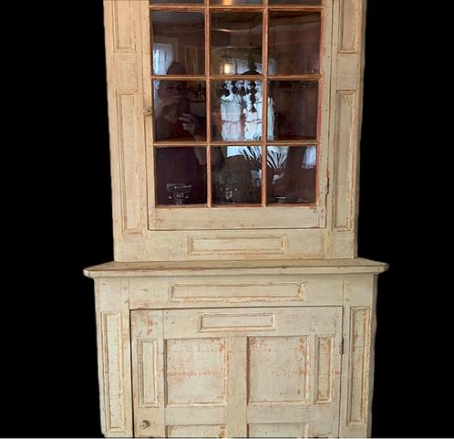 A magnificent mid 19th C Quebec corner cabinet / encoignure Québecois