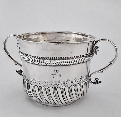 A 17th C William III Britannia silver caudle cup / porringer, Jos Stokes, 1698