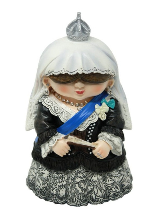 Mini Me Model Queen Victoria by English Heritage Shop