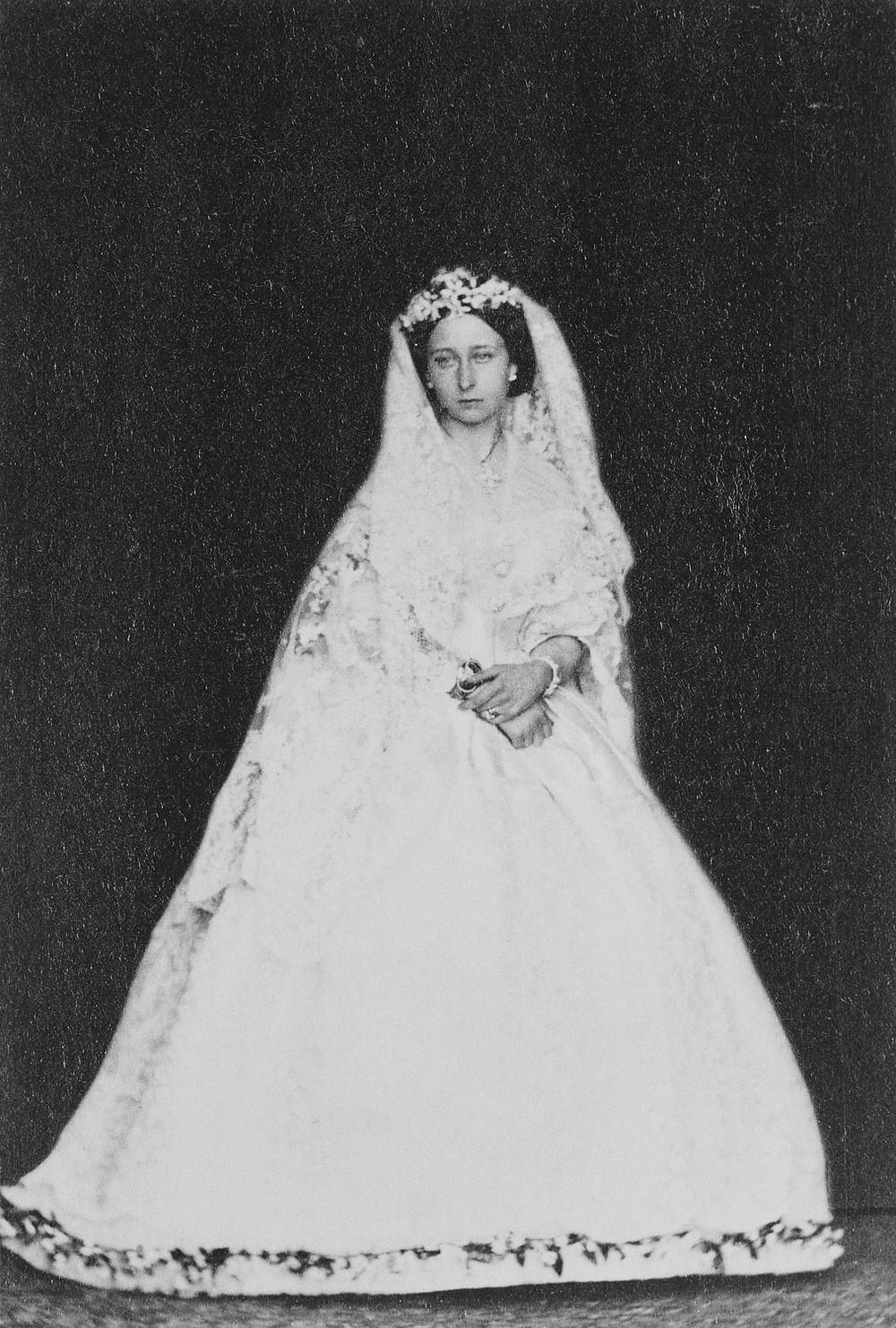 Princess Alice in her wedding dress Jul 1862. By WILLIAM BAMBRIDGE. Royal Collection Trust/© Her Majesty Queen Elizabeth II 2020