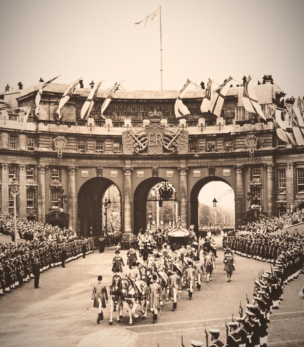 Elizabeth II coronation procession on the way back to Buckingham Palace