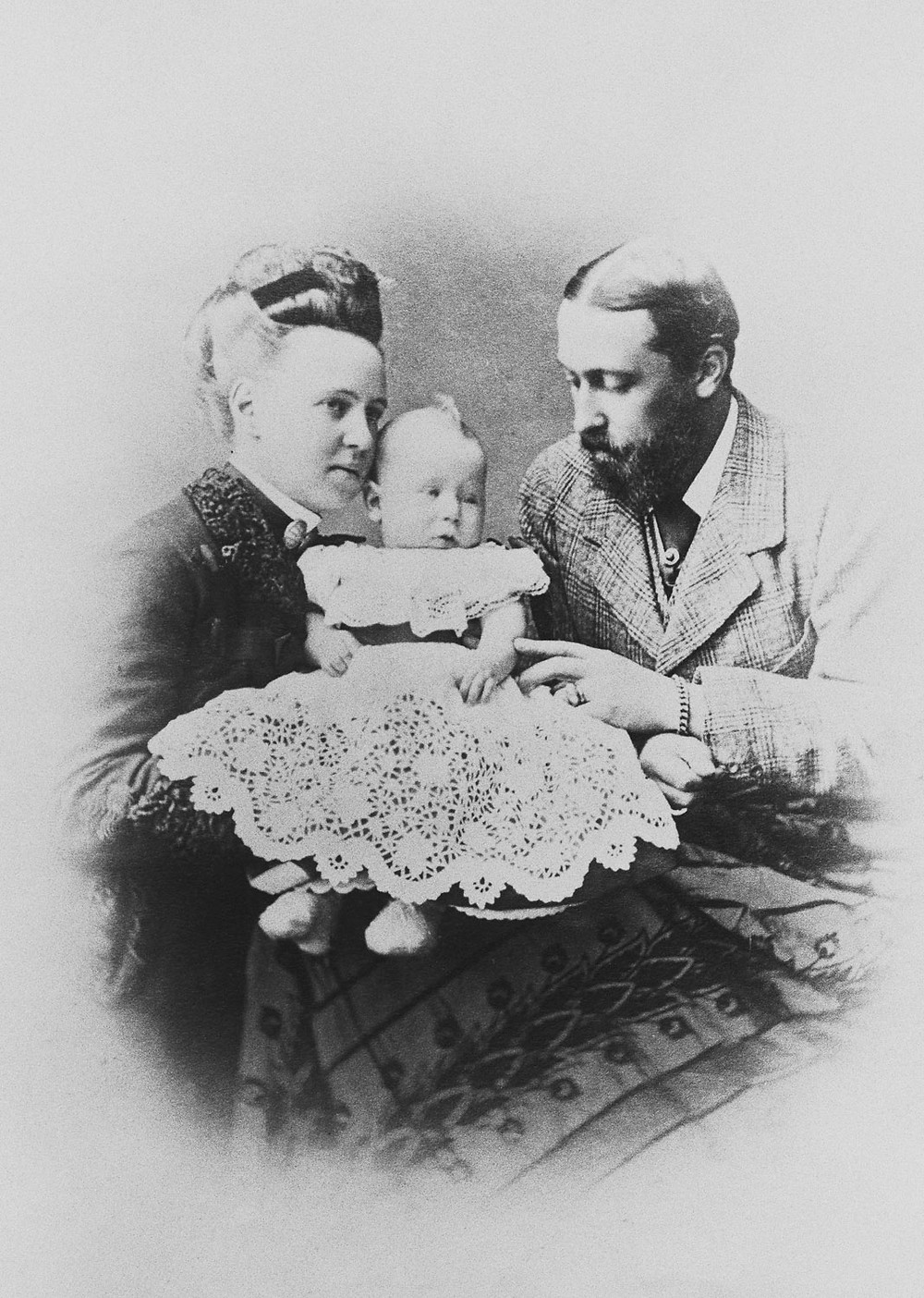 The Duke & Duchess of Edinburgh with their son, Prince Alfred, 1875. Royal Collection Trust/(c) Her Majesty Queen Elizabeth II 2018