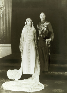The Queen's parents Prince Albert & Elizabeth Bowes-Lyon on their wedding day, 1923