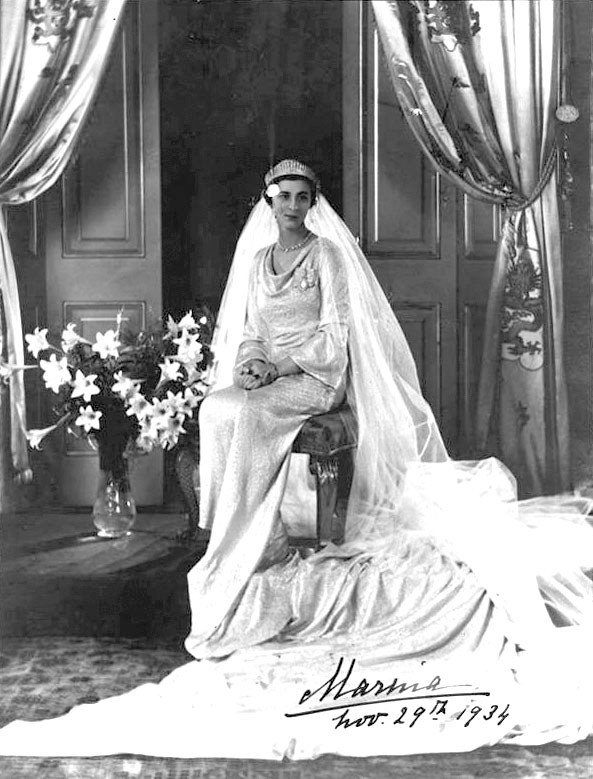 By Royal Photographers (Signed photograph) [Public domain or Public domain], via Wikimedia Commons