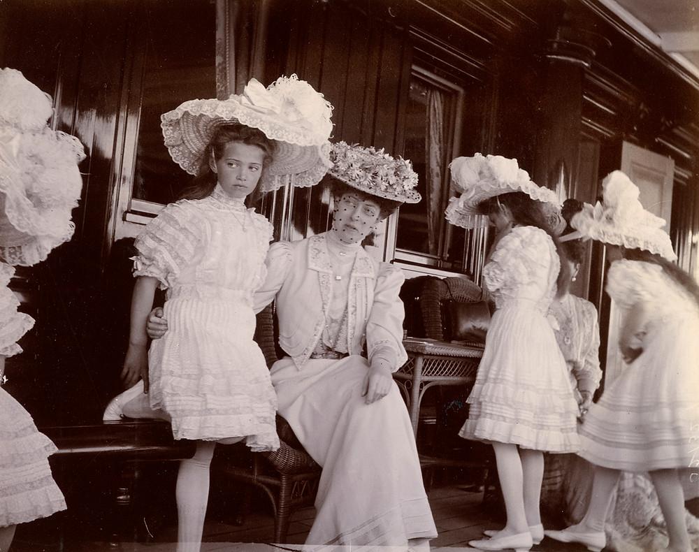 Princess Victoria, Empress Alexandra, and Grand Duchesses Marie, Olga, Anastasia, Alexandrovna and Tatiana. Historic photo. British & Russian royalty