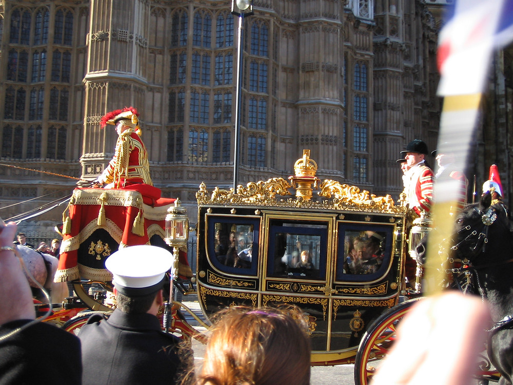 By tomjonescoaley (Royal Carriage, State opening of Parliament) [CC BY 2.0  (https://creativecommons.org/licenses/by/2.0)], via Wikimedia Commons