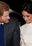 Prince_Harry_and_Ms._Markle_visit_Titani