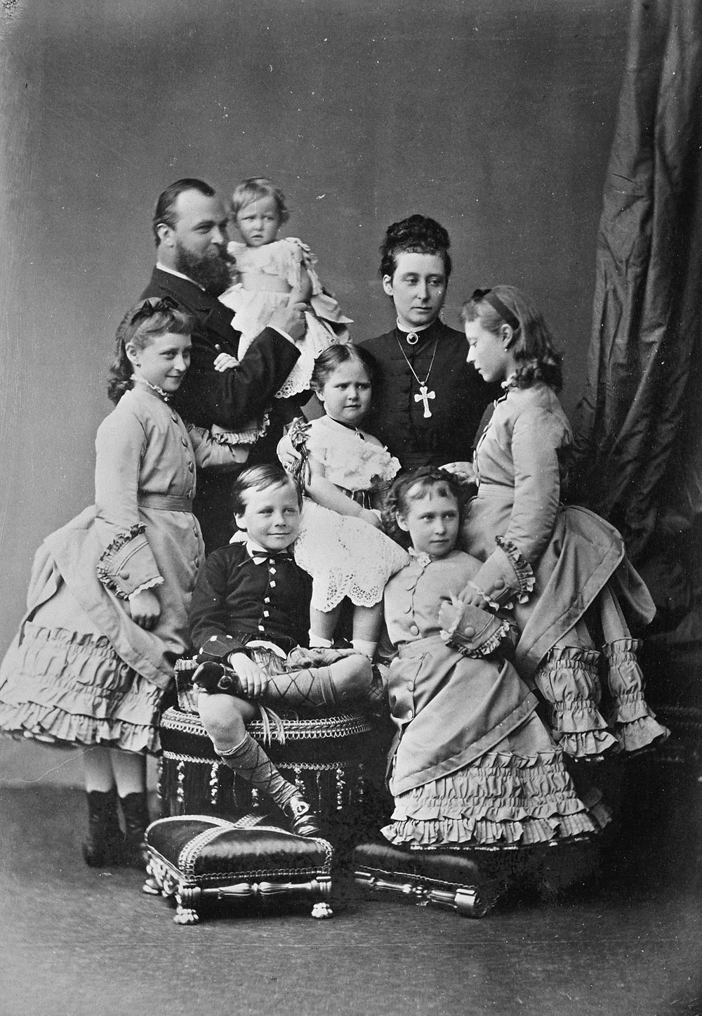 Prince & Princess Louis of Hesse with their five daughters & Prince Ernest Louis, May 1875. Royal Collection Trust/© Her Majesty Queen Elizabeth II 2020