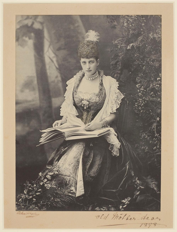 RCIN 2106296;Alexandra, Princess of Wales, later Queen Alexandra (1844-1925) 1896-98, Royal Collection Trust/© Her Majesty Queen Elizabeth II 2018