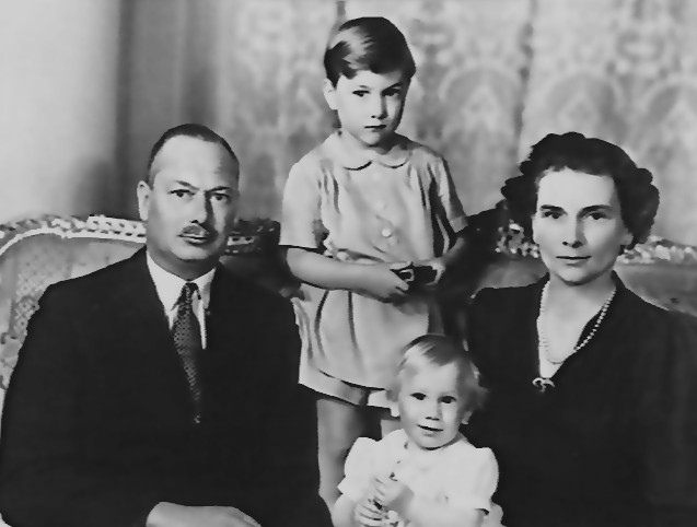 The Duke and Duchess of Gloucester with their two sons William (standing) and Richard in Canberra. royal family photograph, british monarchy