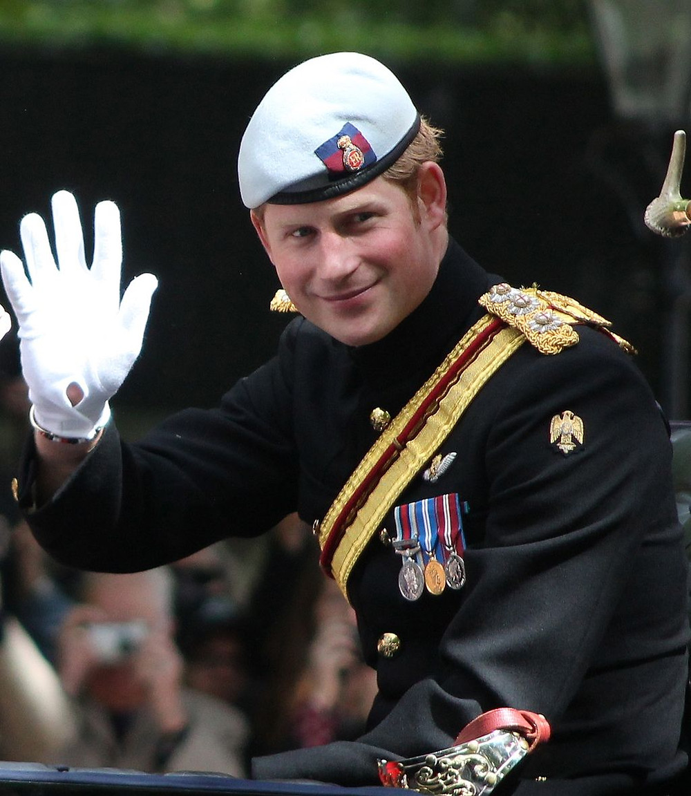 Prince_Harry_Trooping_the_Colour.JPG: Carfax2derivative work: Surtsicna [CC BY-SA 3.0 (https://creativecommons.org/licenses/by-sa/3.0)], via Wikimedia Commons