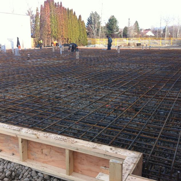 Commercial building mat foundation