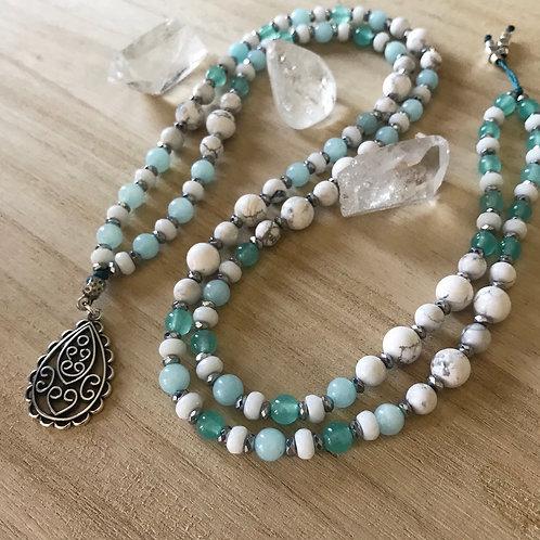 Ketting jade en howliet