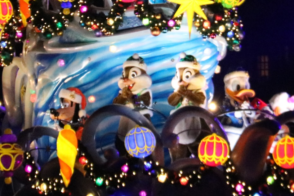 Goofy, Donald, Chip, and Dale
