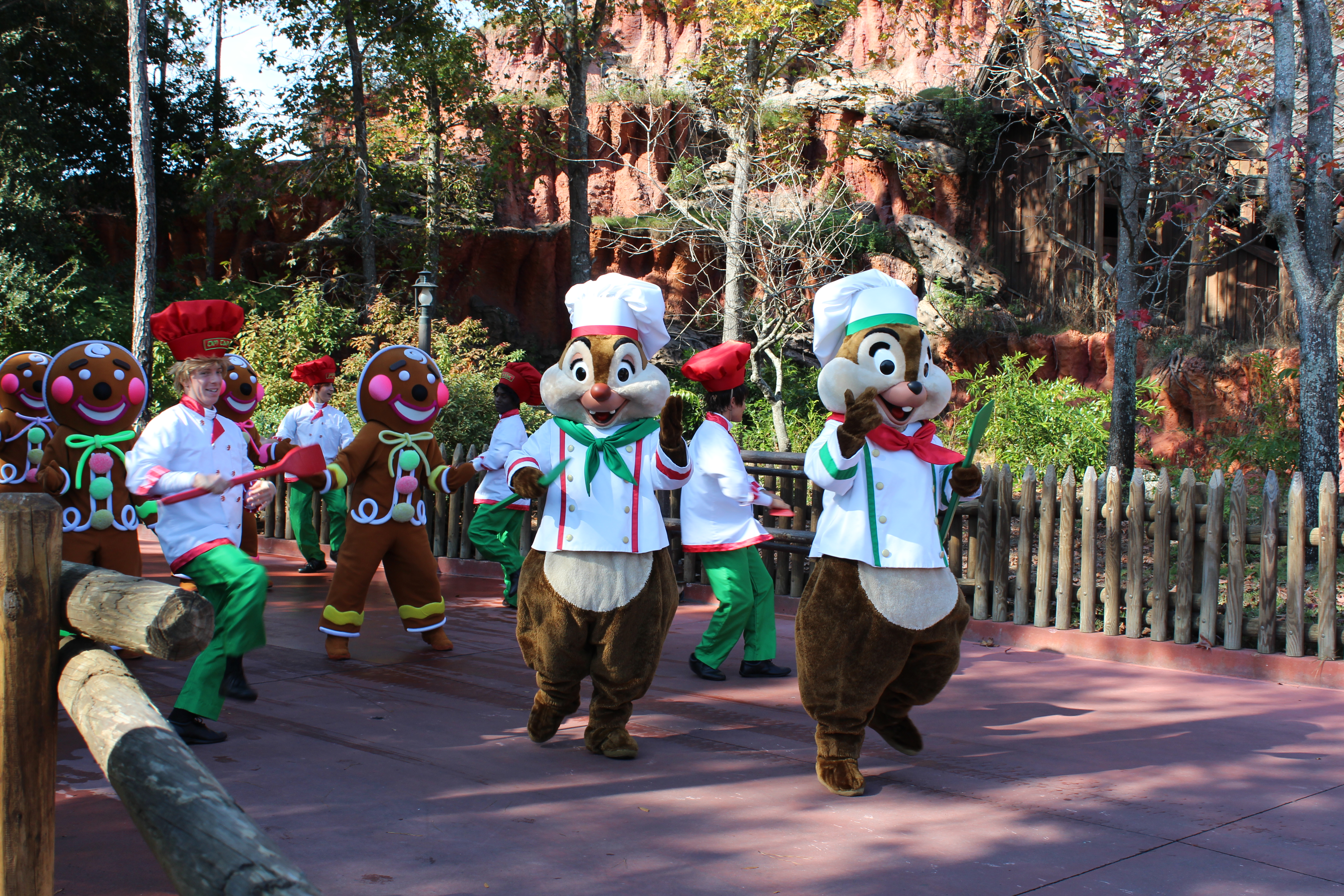Parade Chip 'n' Dale