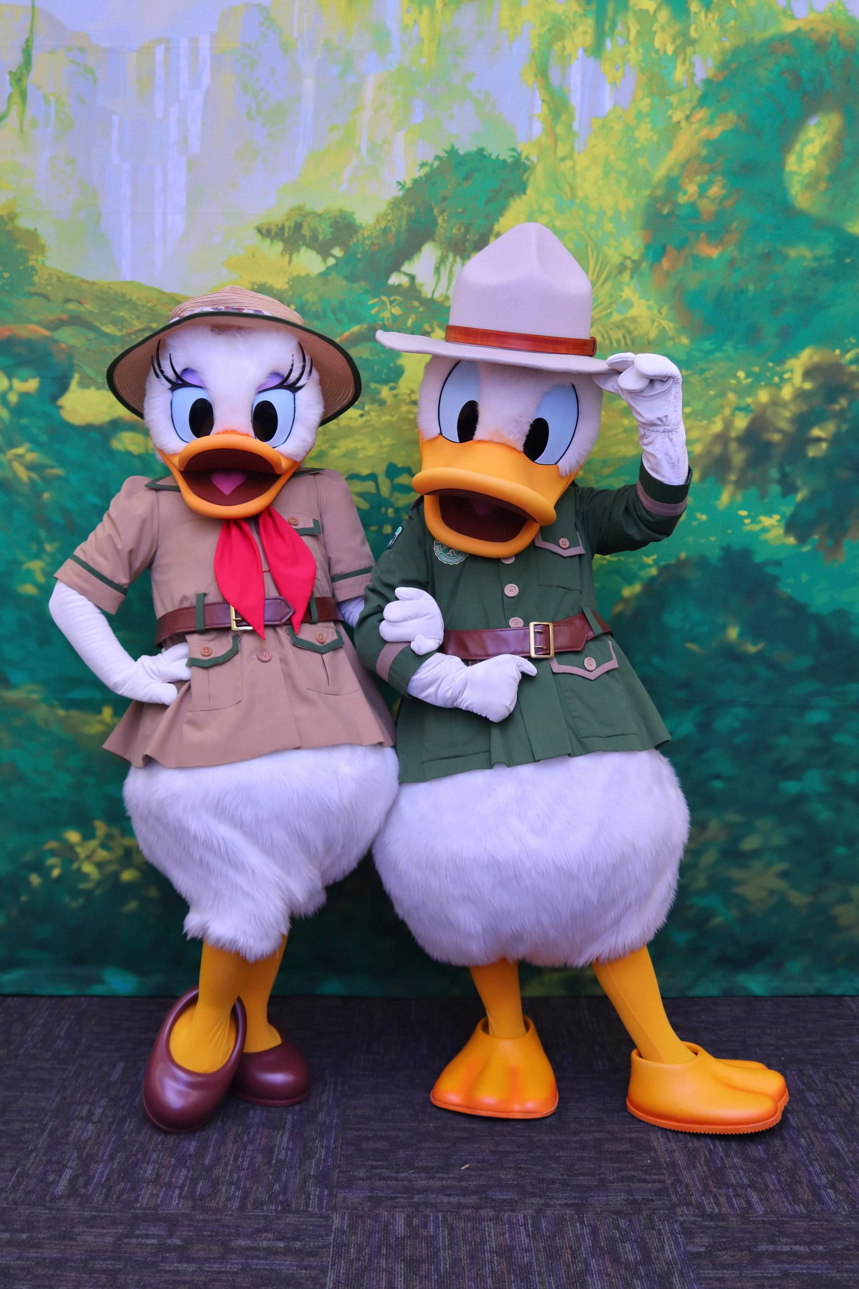 Daisy and Old Hat Donald
