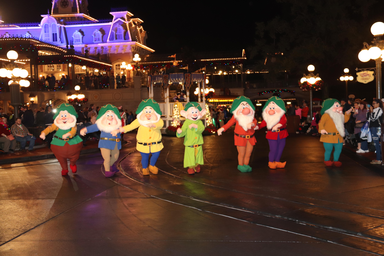 Parade Seven Dwarfs