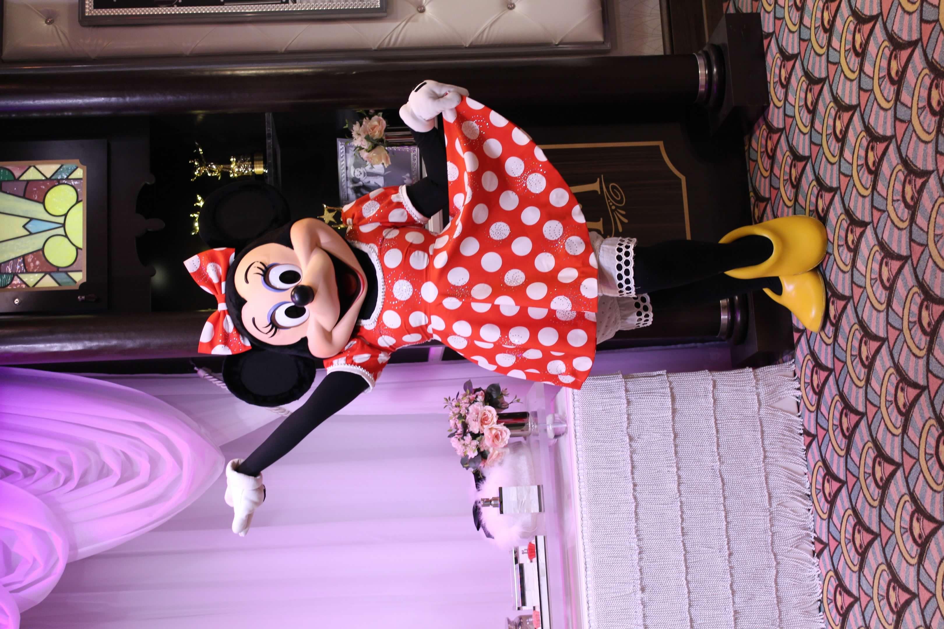 Sparkly Minnie