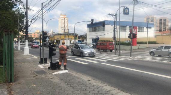 Semáforo Portátil em operação provisória para manutenção semáforica no local
