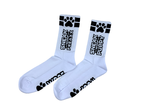 SNEAKFREAXX puppy socks