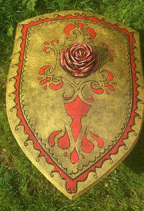 Foam gold rose shield