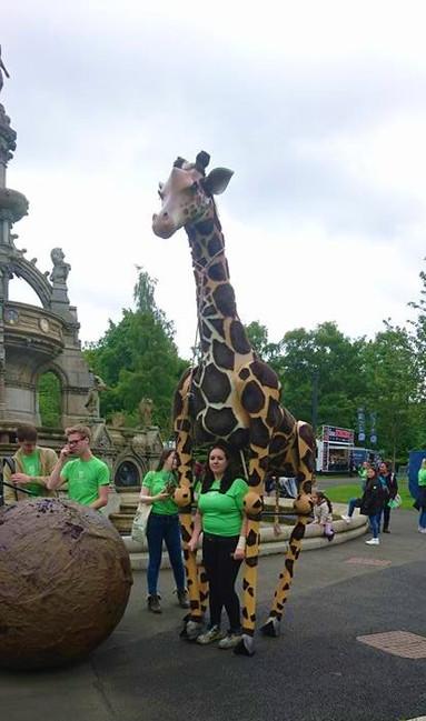 giraffe-puppet-3.jpg