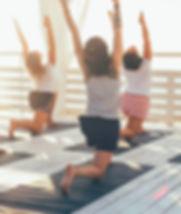 Йога на палубе
