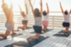 Yoga en la cubierta