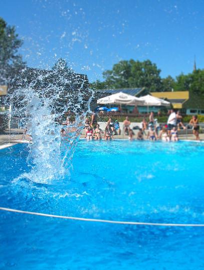 Freizeit- und Erholungsbad öffnet💦🏊♀️