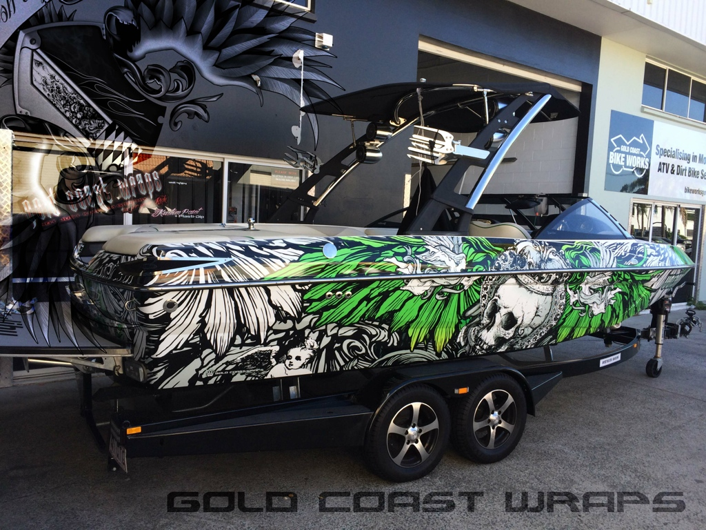 CUSTOM ART & BOAT WRAP